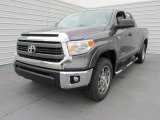 2015 Toyota Tundra SR5 Double Cab 4x4 Front 3/4 View