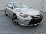 2015 Toyota Camry XSE Front 3/4 View