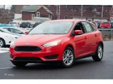 2015 Race Red Ford Focus SE Hatchback #102080907