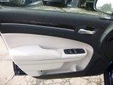 2015 Chrysler 300 Limited AWD Door Panel
