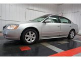 Nissan Altima 2002 Data, Info and Specs