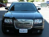 2005 Brilliant Black Crystal Pearl Chrysler 300 Touring #1014994
