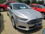 2016 Ingot Silver Metallic Ford Fusion SE #104584500