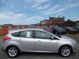 2015 Ingot Silver Metallic Ford Focus SE Hatchback #106920120