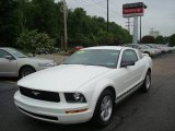2006 Performance White Ford Mustang V6 Deluxe Coupe #10679980
