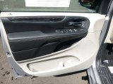 2016 Chrysler Town & Country Touring Door Panel