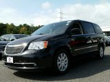 2016 Brilliant Black Crystal Pearl Chrysler Town & Country Touring #107502847