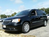2016 Brilliant Black Crystal Pearl Chrysler Town & Country Touring #107502840