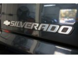 2004 Chevrolet Silverado 1500 LS Extended Cab Marks and Logos