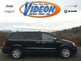 2016 Brilliant Black Crystal Pearl Chrysler Town & Country Limited Platinum #108537578