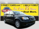 2016 Brilliant Black Crystal Pearl Chrysler Town & Country Limited #110251094