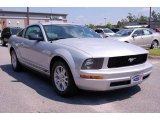 2007 Satin Silver Metallic Ford Mustang V6 Deluxe Coupe #11015623