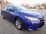 2015 Toyota Camry SE Front 3/4 View