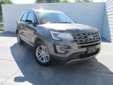 2016 Magnetic Metallic Ford Explorer XLT #112033352