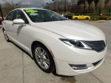 Lincoln MKZ 2016 Data, Info and Specs