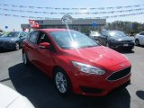 2015 Race Red Ford Focus SE Hatchback #112633016