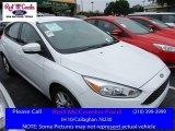 2015 Oxford White Ford Focus SE Hatchback #113061505
