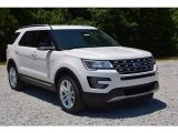 2016 Ford Explorer XLT Front 3/4 View