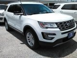 2016 Oxford White Ford Explorer XLT #114243248