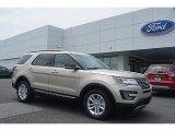 2017 White Gold Ford Explorer XLT #114756168