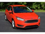 2015 Race Red Ford Focus SE Hatchback #115001911
