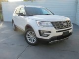 2017 White Platinum Ford Explorer XLT #115535520