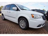 2016 Chrysler Town & Country Bright White