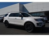 2017 White Platinum Ford Explorer XLT #116464052