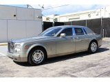 Rolls-Royce Phantom 2004 Data, Info and Specs