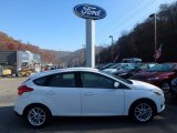 2015 Oxford White Ford Focus SE Hatchback #117062878