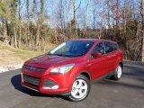 2016 Ford Escape SE 4WD Front 3/4 View
