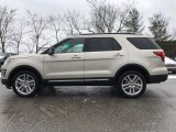 2017 White Platinum Ford Explorer XLT 4WD #118410683