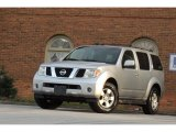 Nissan Pathfinder 2005 Data, Info and Specs