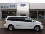 2016 Bright White Chrysler Town & Country Touring #119604216
