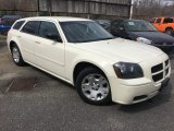 2005 Cool Vanilla White Dodge Magnum SE #119909398