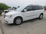2015 Chrysler Town & Country Bright White