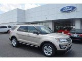 2017 Ford Explorer XLT Front 3/4 View
