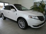 Lincoln MKT Data, Info and Specs