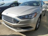2017 White Gold Ford Fusion SE #122957550