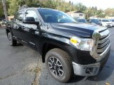 2017 Midnight Black Metallic Toyota Tundra SR5 CrewMax 4x4 #123284514