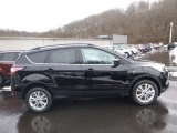 2018 Shadow Black Ford Escape SE 4WD #125001403