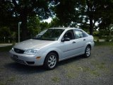 2005 CD Silver Metallic Ford Focus ZX4 SES Sedan #12592000