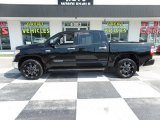 2017 Midnight Black Metallic Toyota Tundra Limited CrewMax 4x4 #127590978