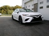 2019 Wind Chill Pearl Toyota Camry XSE #130025630