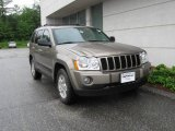 2006 Light Khaki Metallic Jeep Grand Cherokee Laredo 4x4 #13015426