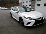 2019 Wind Chill Pearl Toyota Camry XSE #130390546