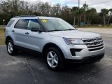 2019 Ford Explorer FWD Front 3/4 View