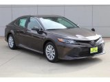 2019 Toyota Camry LE Front 3/4 View