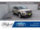 2017 White Gold Ford Explorer XLT #139246074