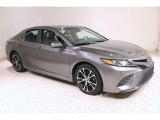 2019 Toyota Camry SE Front 3/4 View